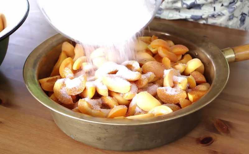 Заготовка абрикосов с сахаром на зиму