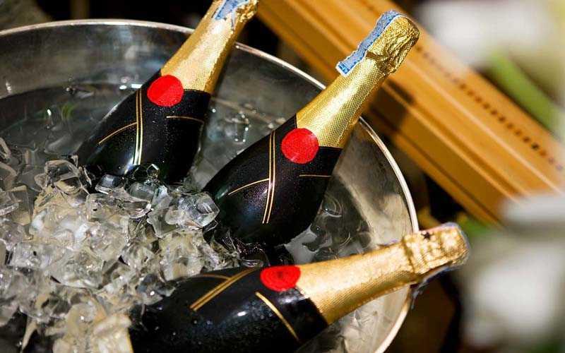 Хранение шампанского в закрытой бутылке
