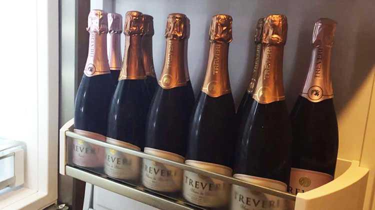 Хранение шампанского в холодильнике