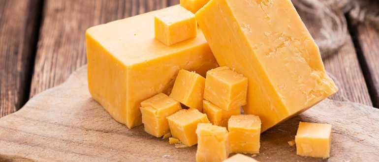 Как надолго сохранить свежесть сыра в холодильнике