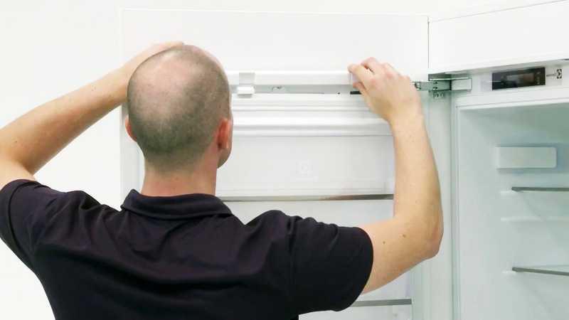Как вмонтировать встраиваемый холодильник