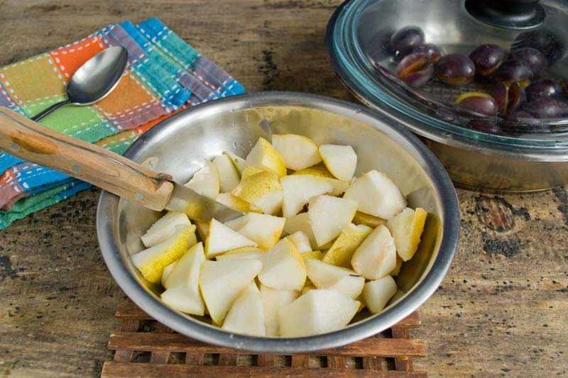 Заготовка груш кубиками с сахаром