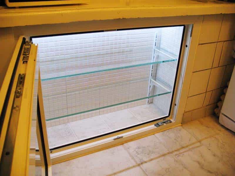 Замена «хрущёвского холодильника» шкафчиком