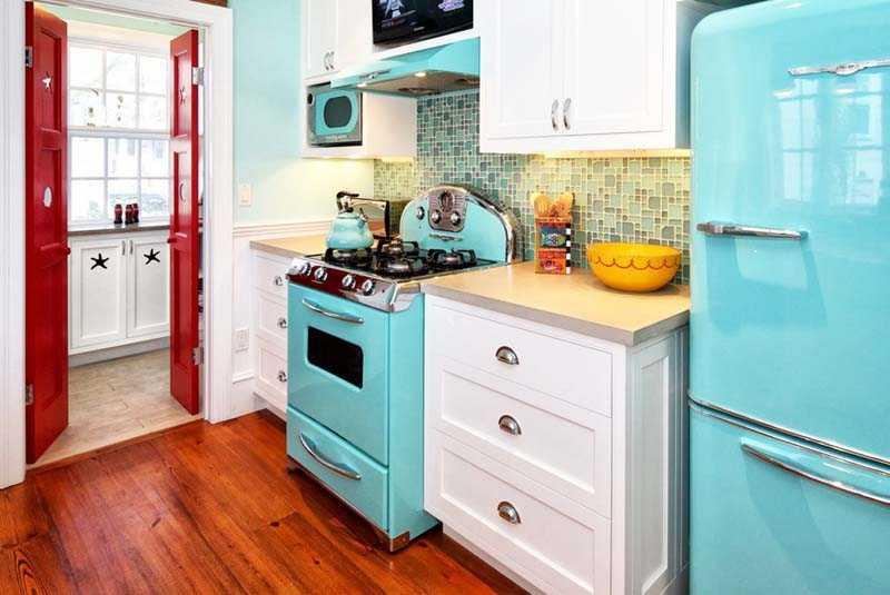 Как изолировать холодильник от плиты
