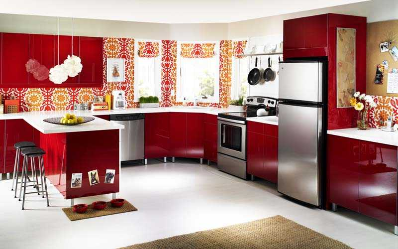 Как правильно расположить кухонную плиту и холодильник