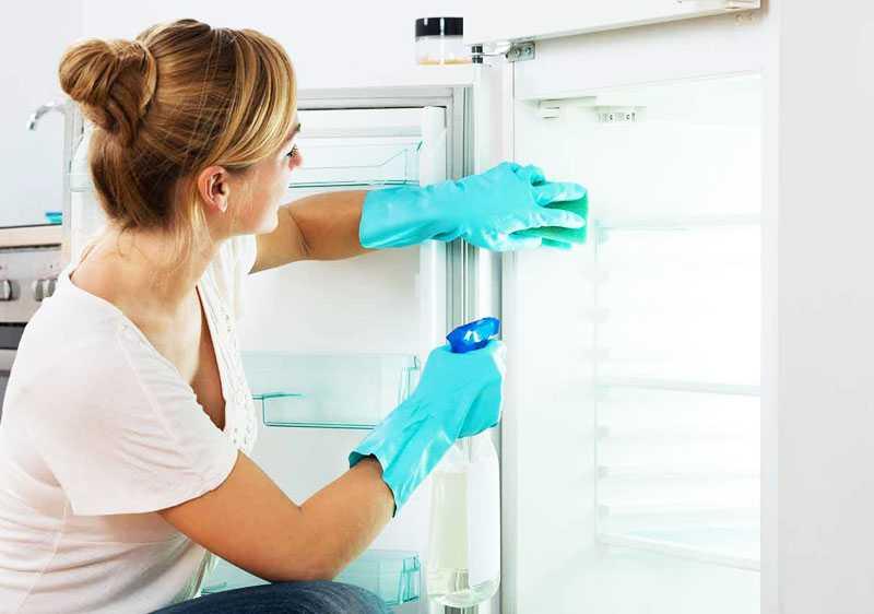 Конденсат в холодильнике с капельной системой разморозки