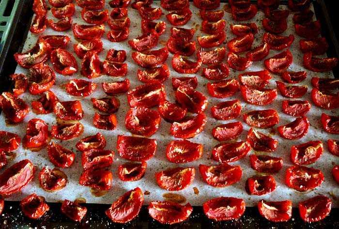 Хранение помидоров в вяленом виде