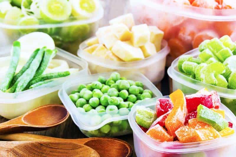 Правильное хранение продуктов в морозильной камере