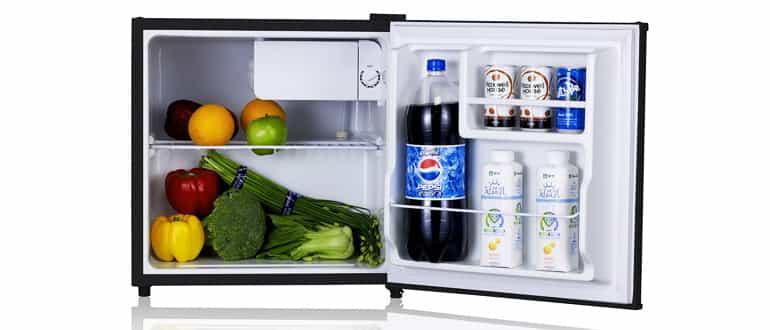 Обзор популярных моделей маленьких холодильников для офиса и дома