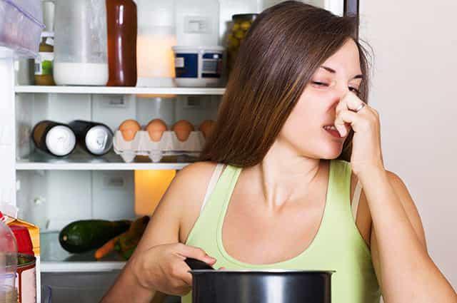 Как избавиться от неприятного запаха плесени