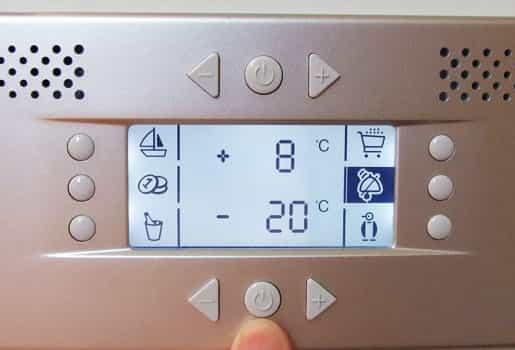 Сломанный терморегулятор на холодильнике