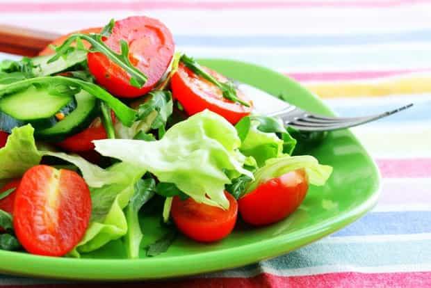 Хранение салата из свежих помидоров и огурцов
