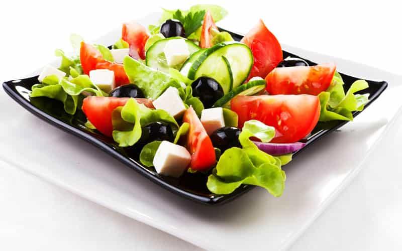 Хранение салатов в холодильнике