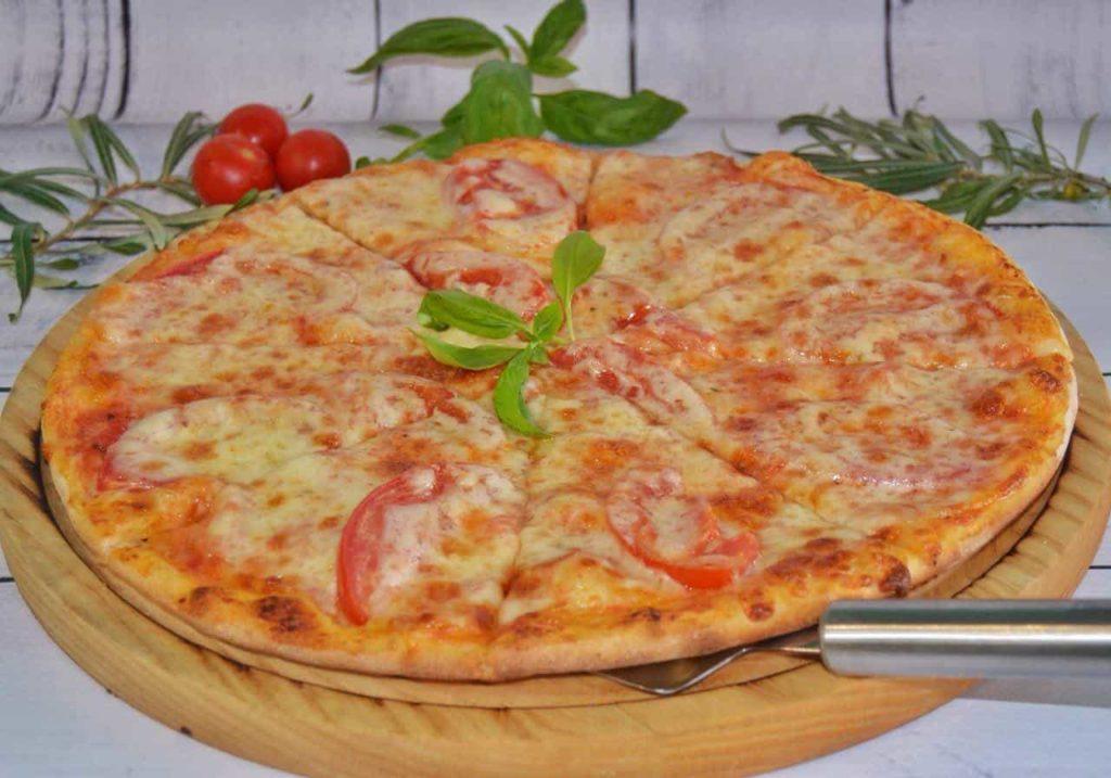 Как сделать дрожжевое тесто для пирогов и пиццы