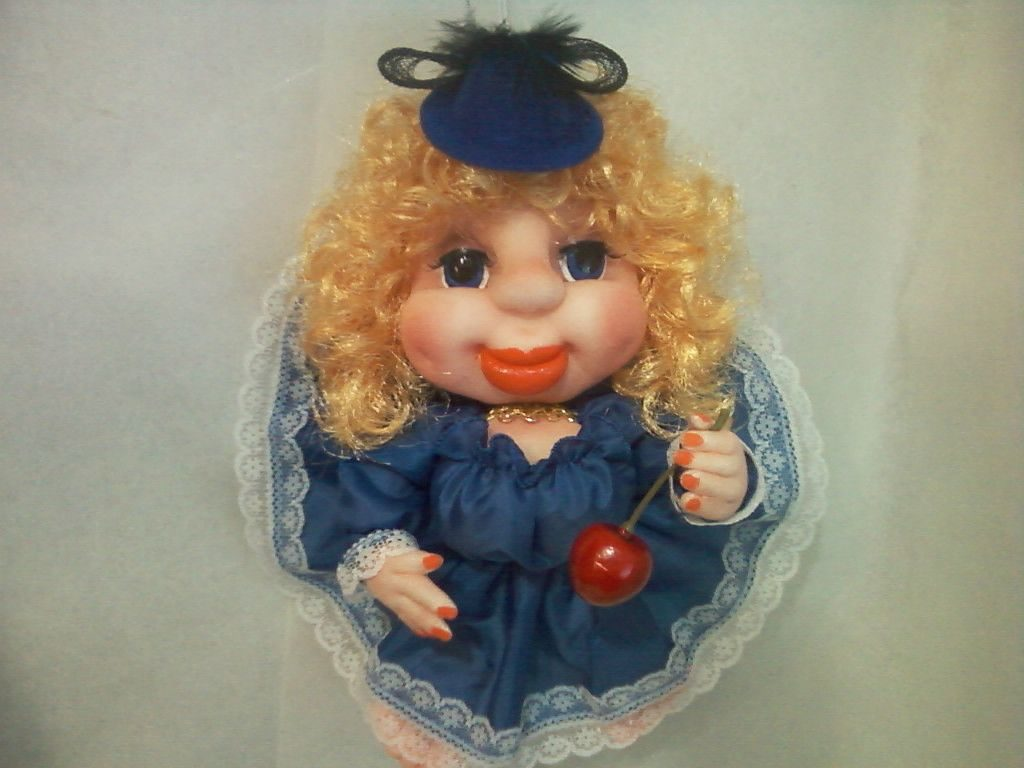 Магнит в виде куклы попик
