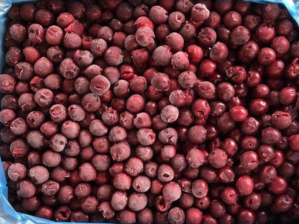 Заморозка вишни без косточек