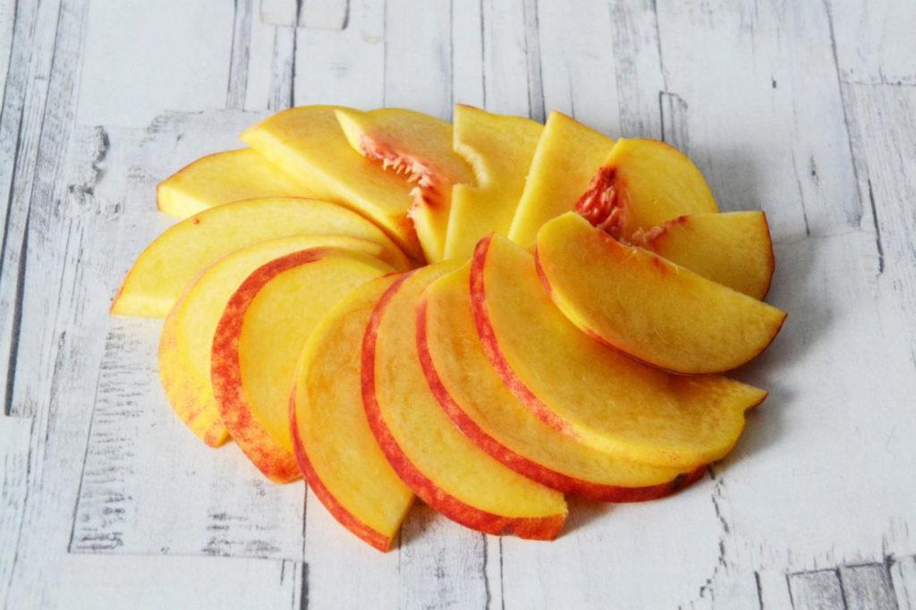 Как заготовить персики ломтиками