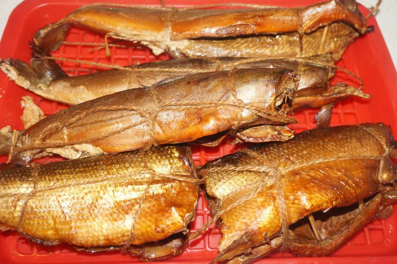Как сохранить свежесть рыбы горячего копчения