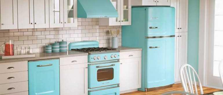 Какими бывают маленькие бытовые холодильники с морозильной камерой
