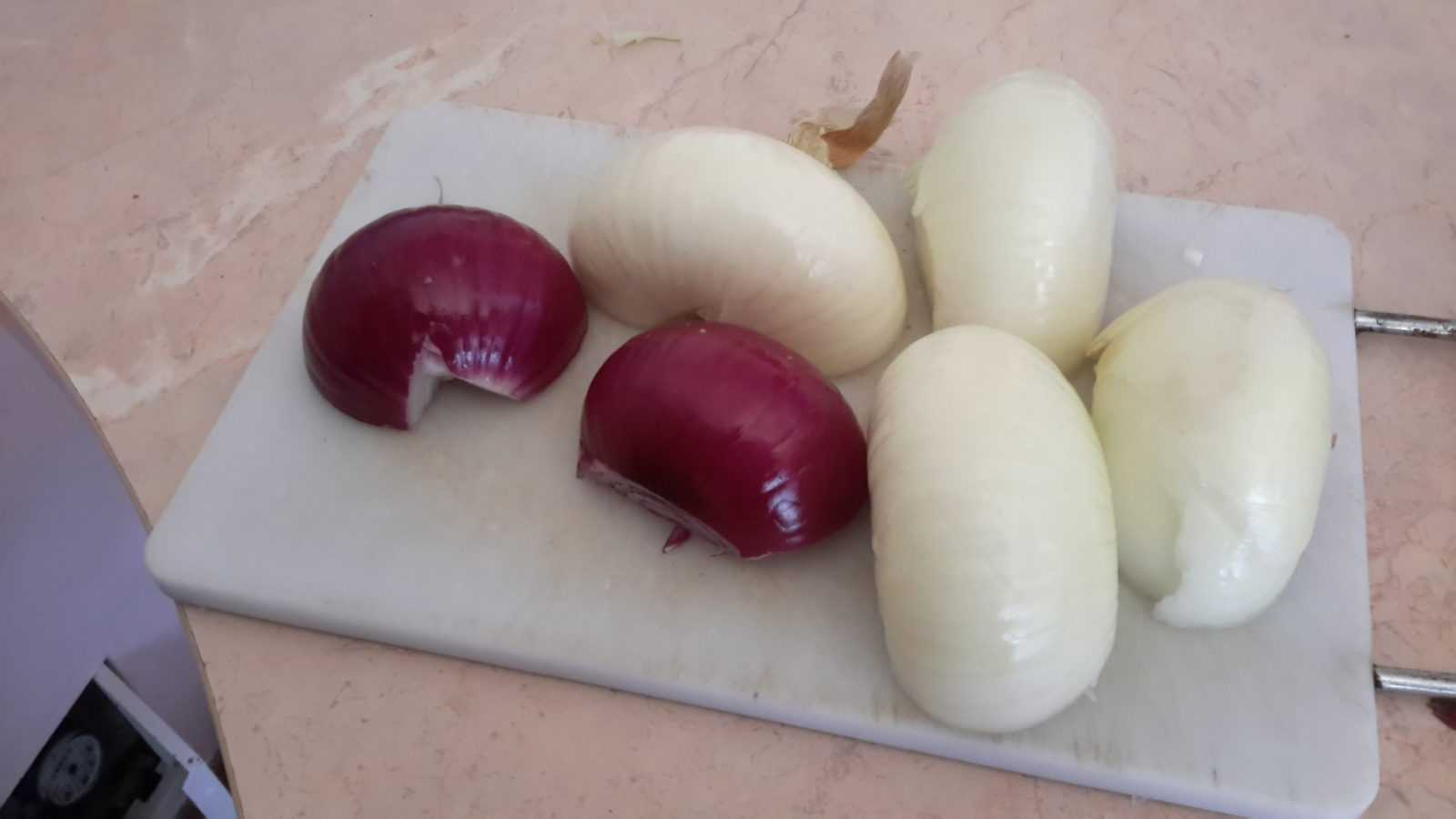 Как заморозить сырой репчатый лук